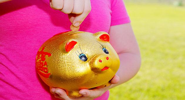 نصائح لتعليم طفلك تنظيم الأمور المالية