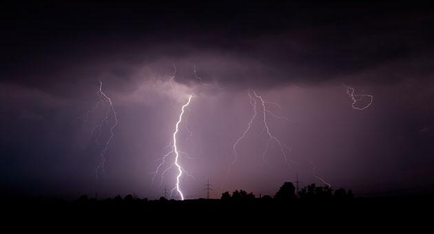 البرق والرعد في ازدياد نتيجة تغير المناخ
