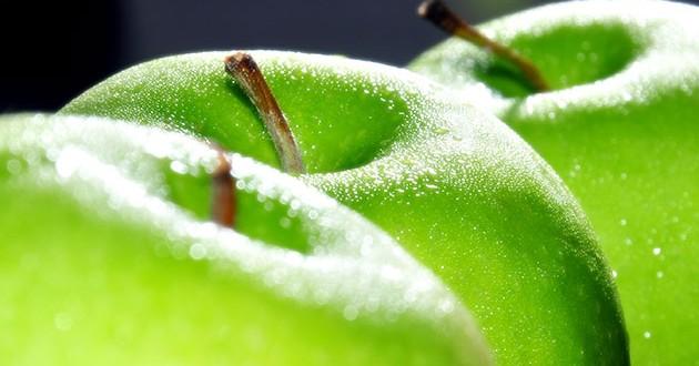 فوائد التفاح الأخضر المتعددة